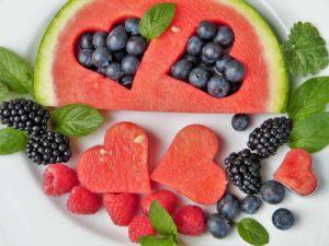 Les fruits contiennent des sucres simples.