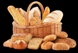 Le pain contient des glucides complexes.